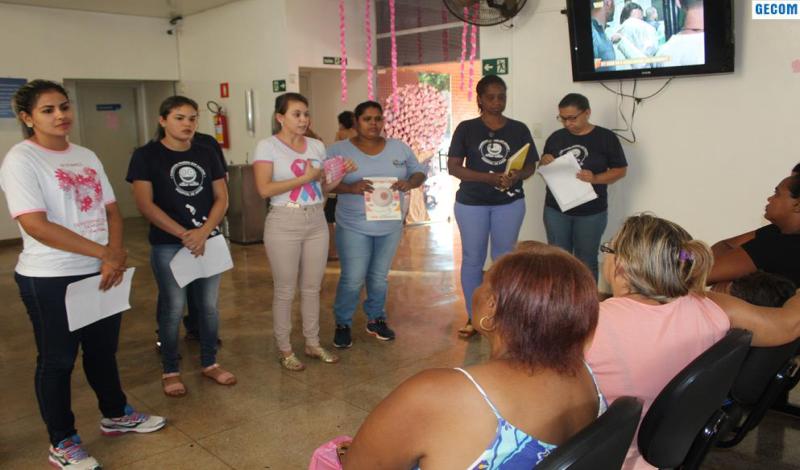 Imagem destaque notícia EQUIPE DO PSF 1 ORIENTA PACIENTES SOBRE O CÂNCER DE MAMA