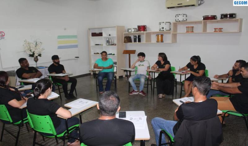 Imagem destaque notícia ESPAÇO DE MÚSICA APRESENTA EQUIPE E DISCUTE PLANO DE TRABALHO