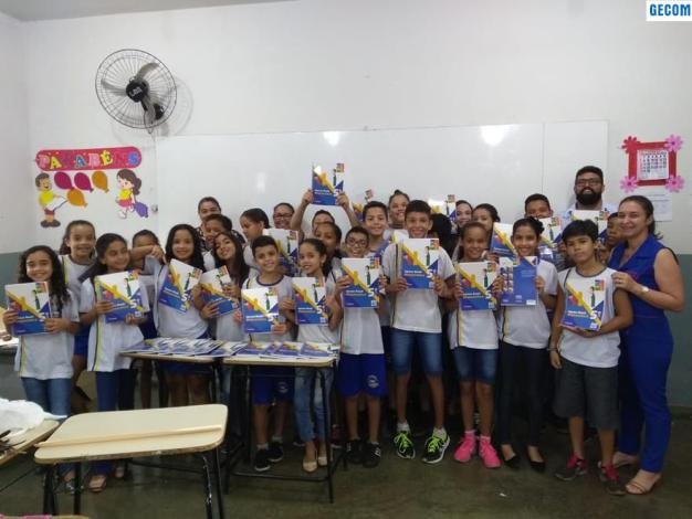 Imagem destaque notícia ARAPARÃ ADQUIRE KIT PEDAGÓGICO PARA INCREMENTAR PREPARAÇÃO PARA PROVA BRASIL