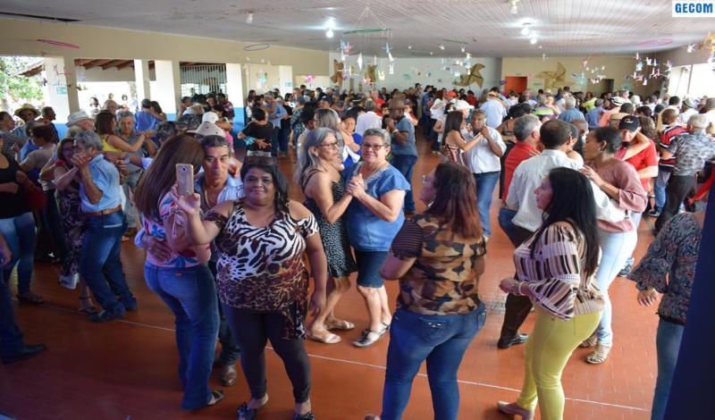 Imagem destaque notícia ARAPORÃ RECEBE 16 CARAVANAS PARA O 18° ENCONTRO DA TERCEIRA IDADE