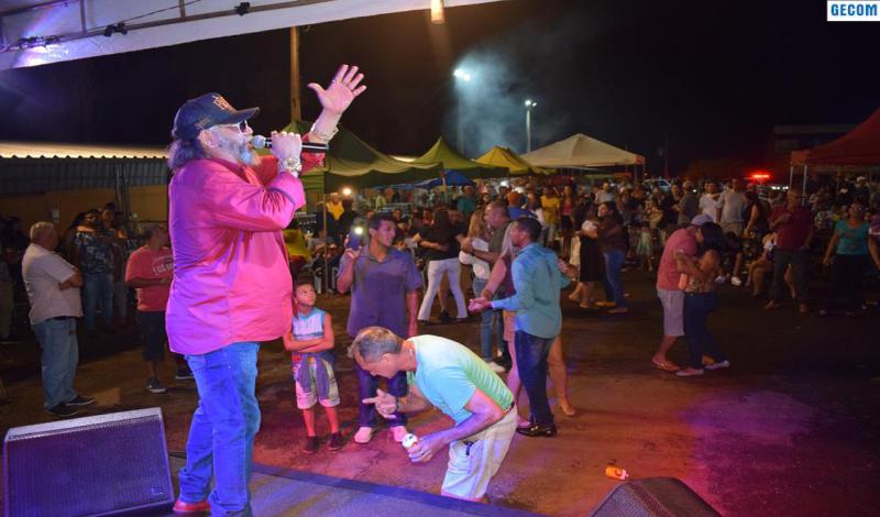 Imagem destaque notícia REFORMA DA FEIRA LIVRE É ENTREGUE EM RITMO DE FESTA