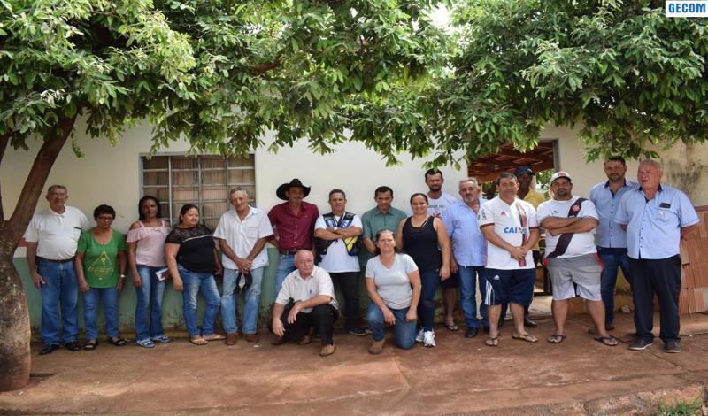 Imagem destaque notícia PREFEITURA REALIZA REUNIÃO COM FEIRANTES SOBRE REVITALIZAÇÃO DA FEIRA MUNICIPAL
