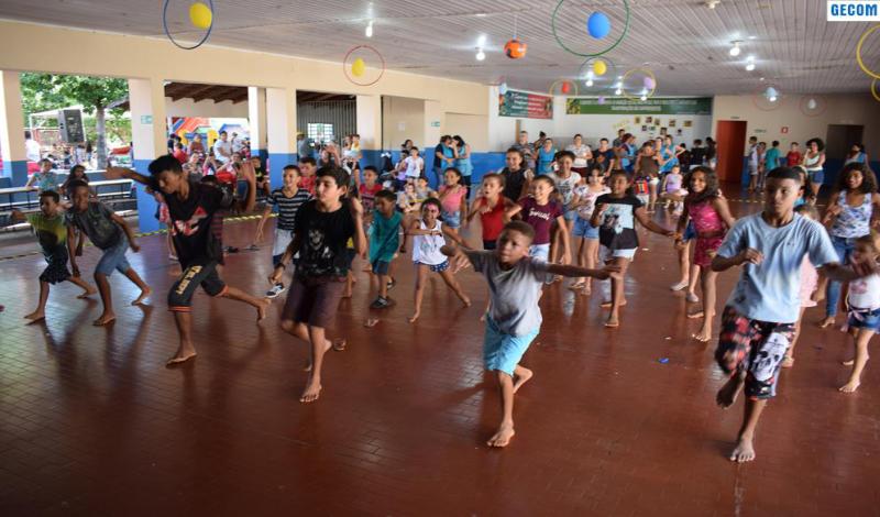 Imagem destaque notícia CRIANÇAS E ADOLESCENTE SE DIVERTEM NO PRIMEIRO DIA DA COLÔNIA DE FÉRIAS
