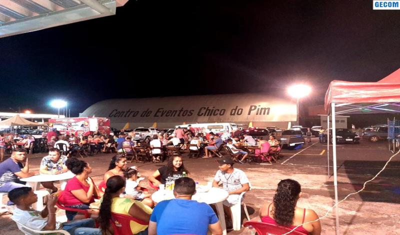 Imagem destaque notícia FEIRA LIVRE REÚNE OPÇÃO DE COMPRAS E LAZER PARA A FAMÍLIA