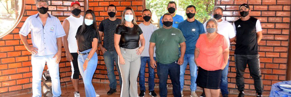 Imagem destaque notícia SECRETARIA DE ESPORTES PRESTA HOMENAGEM A EDUCADORES FÍSICOS PELO SEU DIA
