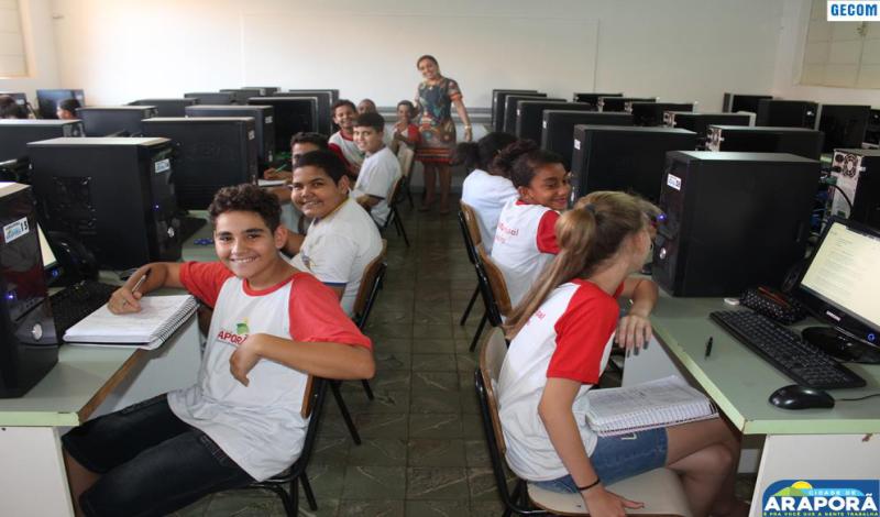 Imagem destaque notícia Laboratório de Informática da Escola Olintha passa por reestruturação