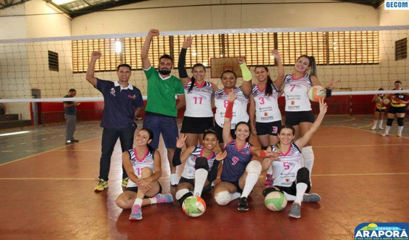 Imagem destaque notícia Araporã vence etapa de Torneio de Vôlei Feminino