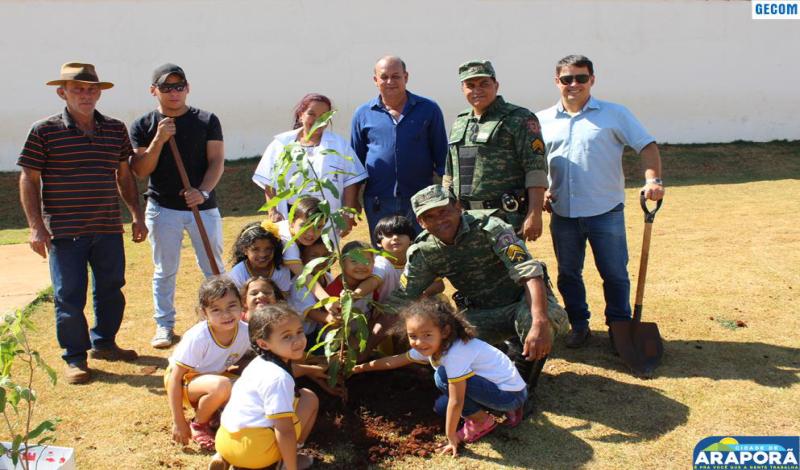 Imagem destaque notícia Meio Ambiente comemora Dia da Árvore