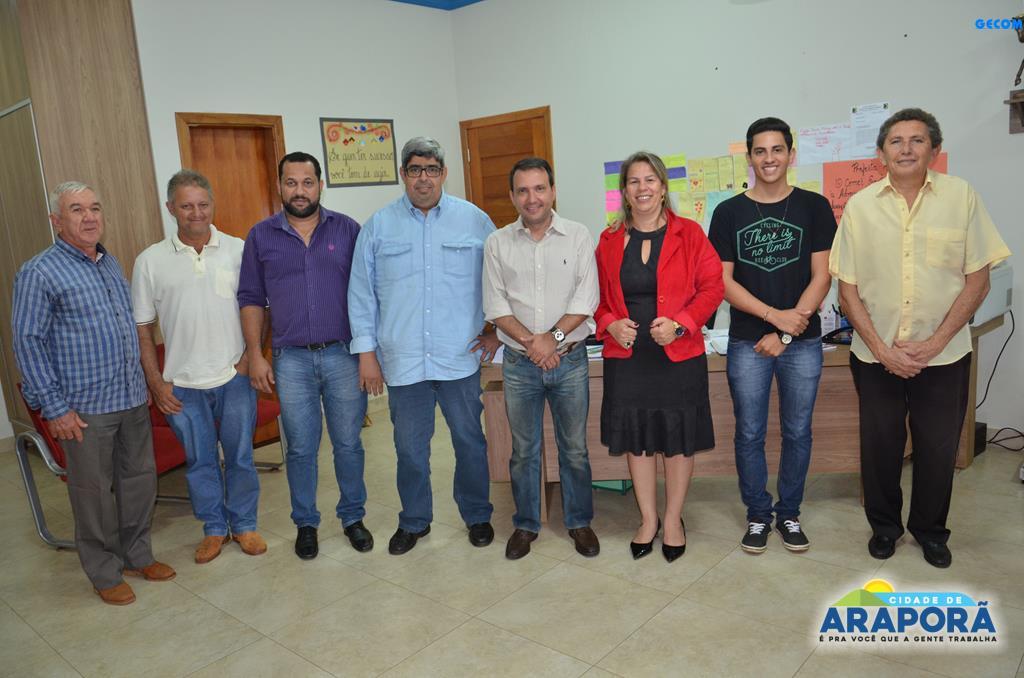 Imagem destaque notícia Renata Borges reivindica de deputado emenda para iluminação do campo
