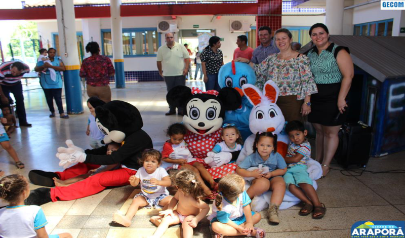 Imagem destaque notícia Prefeitura leva comemoração do Dia das Crianças aos CEMEIs de Araporã
