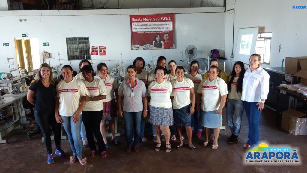 Imagem destaque notícia Tem início curso de costureiro oferecido pela Escola Móvel SESI/SENAI