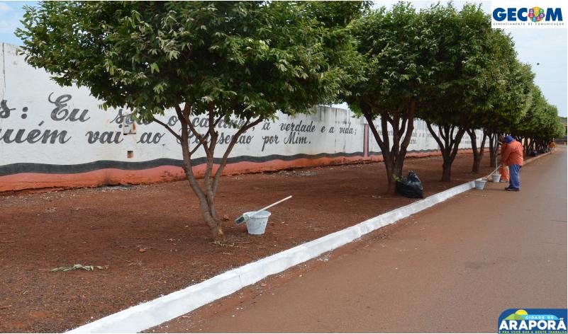 Imagem destaque notícia Prefeitura de Araporã prepara cemitério para celebrações do Dia de Finados