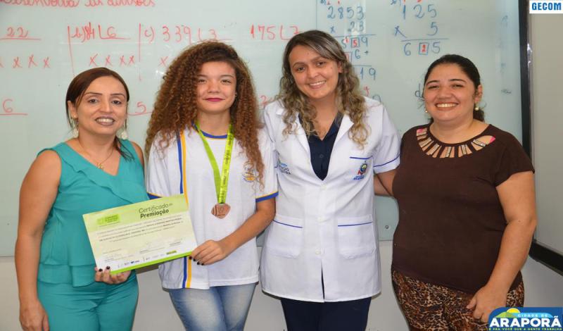 Imagem destaque notícia Aluna de Araporã é três vezes medalha de bronze na OBMEP
