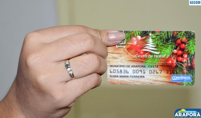 Imagem destaque notícia Prefeitura de Araporã fará entrega de cartão de crédito de natal para todos os servidores