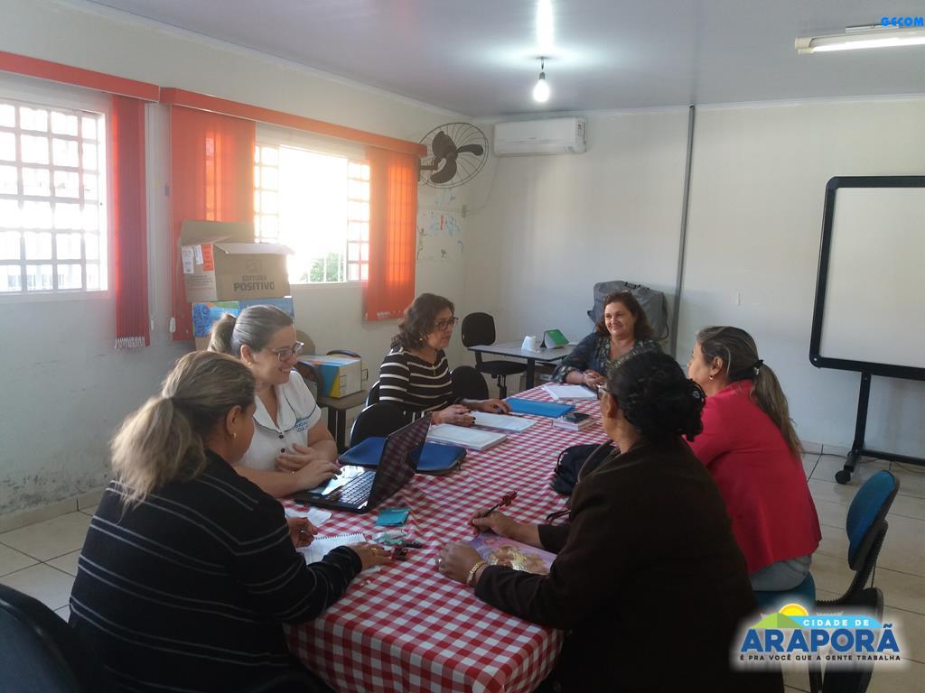 Imagem destaque notícia Equipe pedagógica da SEMEC orienta supervisoras das escolas