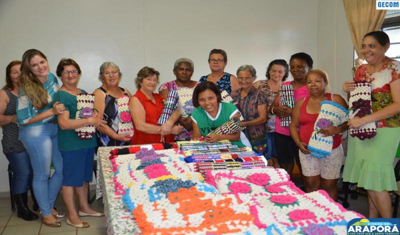 Imagem destaque notícia Serviço de Convivência e Fortalecimento de Vínculos encerra atividades do ano com idosos do CAIA