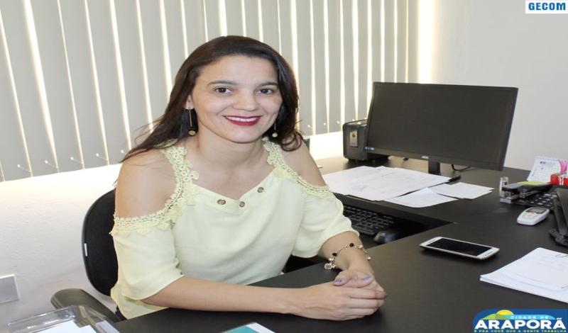 Imagem destaque notícia Toma posse nova secretária da Saúde de Araporã