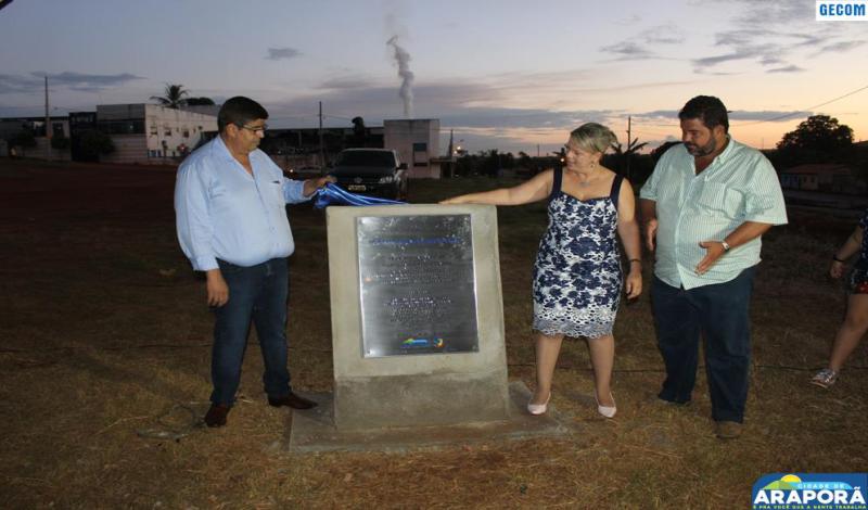 Imagem destaque notícia Prefeitura lança pedra fundamental para construção de 95 moradias