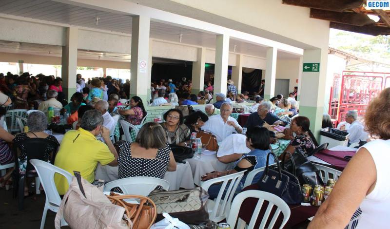 Imagem destaque notícia Encontro regional da terceira idade em Araporã recebe 11 caravanas